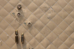 Slaget sköt 9mm i Kevlar Royaltyfri Foto