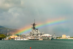Slagskepp Missouri med regnbågen Fotografering för Bildbyråer