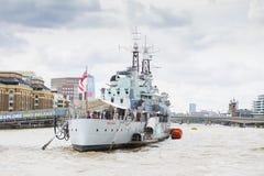 Slagskeppet för HMS Belfast förtöjde på flodThemsen royaltyfria foton