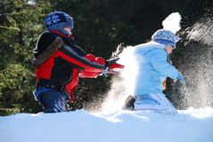 slagsmål kastar snöboll Royaltyfria Foton