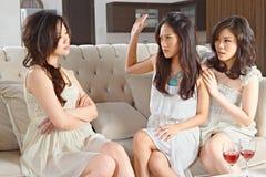 Slagsmål mellan flickor arkivbild