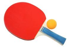 Slagträ och boll för ping-pong. Royaltyfri Bild