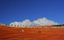 Slagwerkers die bij Indruk Lijiang presteren Stock Afbeeldingen