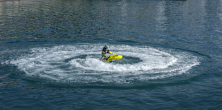 Slalom em uma motocicleta da água Foto de Stock Royalty Free