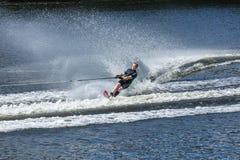 Slalom vatten skidar, ledaren arkivbilder