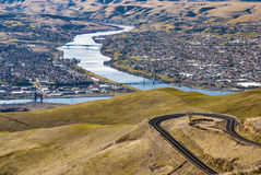 Duidelijk Water Rifer tussen Lewiston Idaho en Clarkston Washingto Stock Foto's