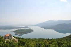 Slansko sjö nära Niksic, Montenegro arkivbilder