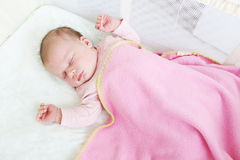 Slapend 2 weken pasgeboren meisjes Royalty-vrije Stock Foto