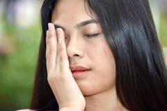 Slaperig Aantrekkelijk Filipina Female stock afbeeldingen