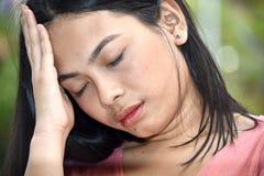 Slaperig Filipina Adult Female royalty-vrije stock fotografie
