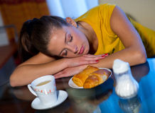 Slaperig ontbijt royalty-vrije stock afbeeldingen