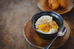 slappa kokt ägg Royaltyfria Bilder