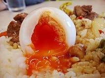 slappt kokt ägg Royaltyfri Foto