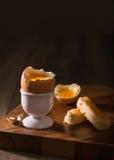 slappt kokt ägg Royaltyfri Bild