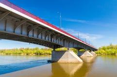 Slasko-Dabrowski most nad Vistula rzeką w Warszawa, Polska obrazy royalty free