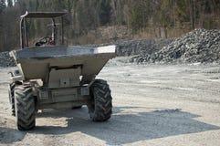Slate la miniera a cielo aperto di pietra a Vitkov, caricatore della ruota 6 tonnellate Fotografia Stock
