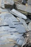 Slate la miniera a cielo aperto di pietra a Vitkov, pietra colorata blu 2 Fotografia Stock