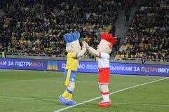 Slavek en Slavko, de Euro 2012 mascottes van UEFA Stock Foto's