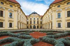 Slavkovkasteel als Austerlitz-Kasteel in Zuiden Moravi ook wordt bekend die royalty-vrije stock afbeeldingen