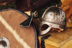 Slawische Kriegersrüstung, mit einem stilisierten 9. Jahrhundert Stockbild