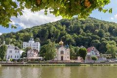 Slecht EMS, Duitsland met de Russische Orthodoxe Kerk en Schloss Balmoral in mening Royalty-vrije Stock Foto