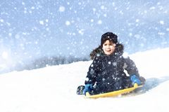 sledding tidvinter Fotografering för Bildbyråer