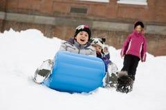 sledding vinter Royaltyfri Fotografi