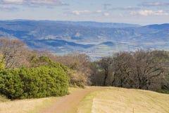 Sleep in Sugarloaf Ridge State Park, Napa-Vallei op de achtergrond; Sonoma-Provincie, Californië royalty-vrije stock foto's