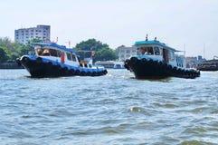 Sleepboot in Chao Phraya River Bangkok, Thailand royalty-vrije stock foto's