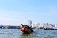 Sleepboot in Chao Phraya River Bangkok, Thailand stock afbeeldingen