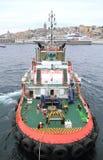 Sleepboot in de haven van Istanboel royalty-vrije stock foto