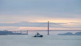Sleepboot z-DRIE in San Francisco Bay stock fotografie
