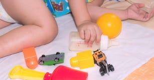 sleepin с игрушками Стоковое фото RF