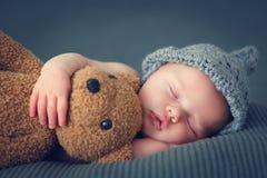 Free Sleeping Newborn Baby Stock Photo - 66412520