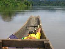 Sleepping in una barca Fotografia Stock