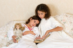 Sleepy vintage girls Royalty Free Stock Photo