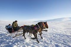 Sleigh sur le lac congelé Cildir dans la ville d'Ardahan de la Turquie Photographie stock