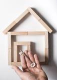 Sleutel en huis Stock Foto