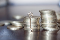 Sleutel tot geld Royalty-vrije Stock Foto's