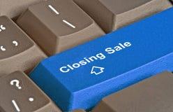 Sleutel voor het sluiten van verkoop stock afbeeldingen