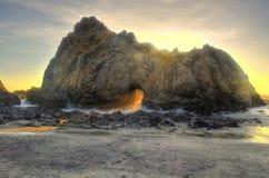 Sleutelgat/Hoeksteenboog, Grote Sur, Californië Royalty-vrije Stock Afbeeldingen