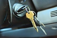 Sleutels in een autoontsteking Stock Fotografie