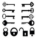 Sleutels en sloten Stock Foto's