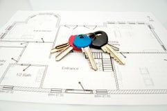 Sleutels tot nieuw huis stock foto's