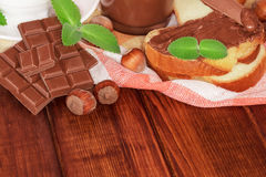 Slice of bread with chocolate cream Royalty Free Stock Photos