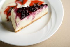 Slice of cheese cake Royalty Free Stock Images