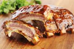 Sliced barbecue ribs Royalty Free Stock Photography
