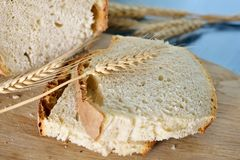 Sliced bread on a chopping board Royalty Free Stock Image