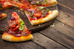 Sliced pizza Royalty Free Stock Photography