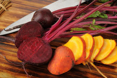 Sliced red and golden beets Stock Photography